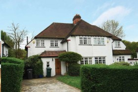 Click the photo for more details of  Brookland Close