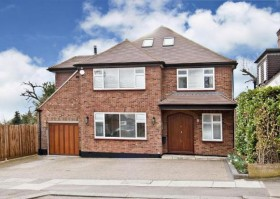 Click the photo for more details of Marsh Close