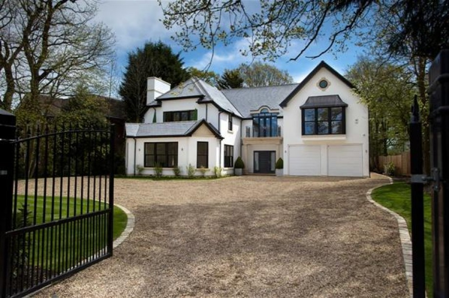 The Ridgeway, Radlett - Photo 1