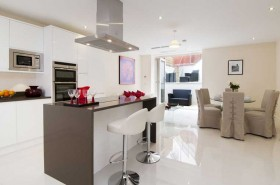 Click the photo for more details of Wentworth Road