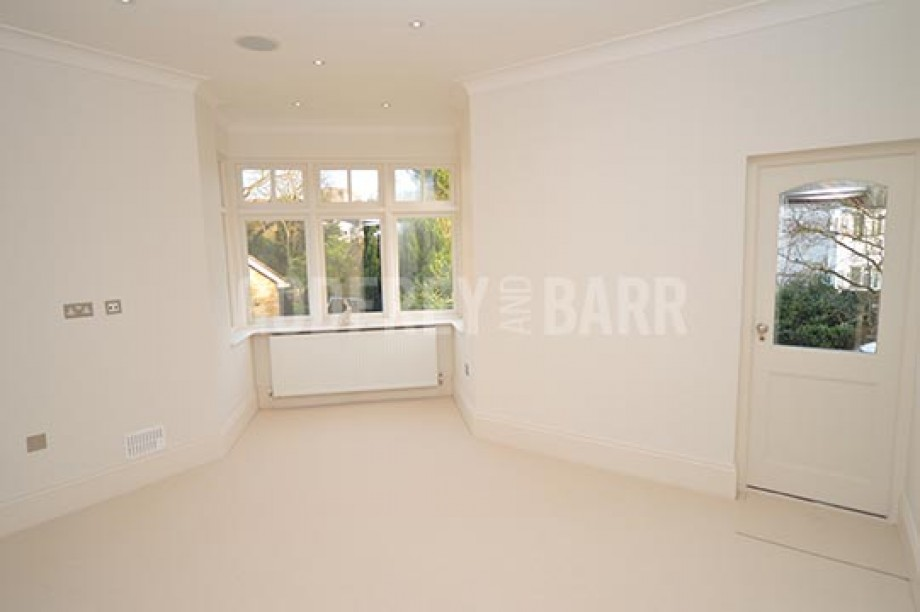 Tretawn Park, Mill Hill - Photo 22