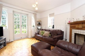 Click the photo for more details of Lyttelton Court