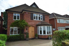 Click the photo for more details of Tudor Close