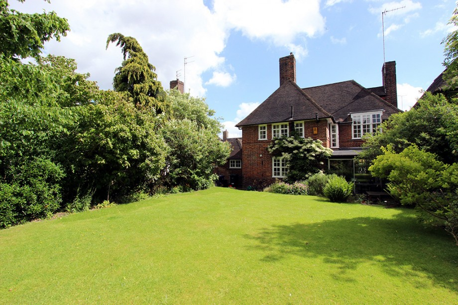 Cotman Close, Hampstead Garden Suburb - Photo 12