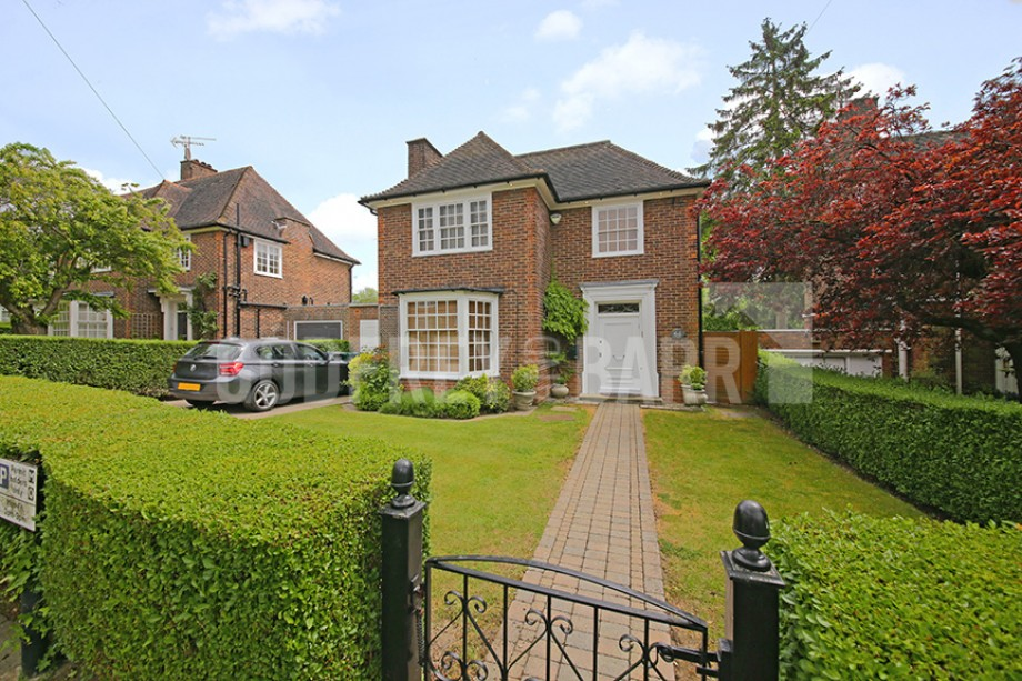 Gurney Drive, Hampstead Garden Suburb - Photo 1