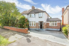 Click the photo for more details of Glenwood Road