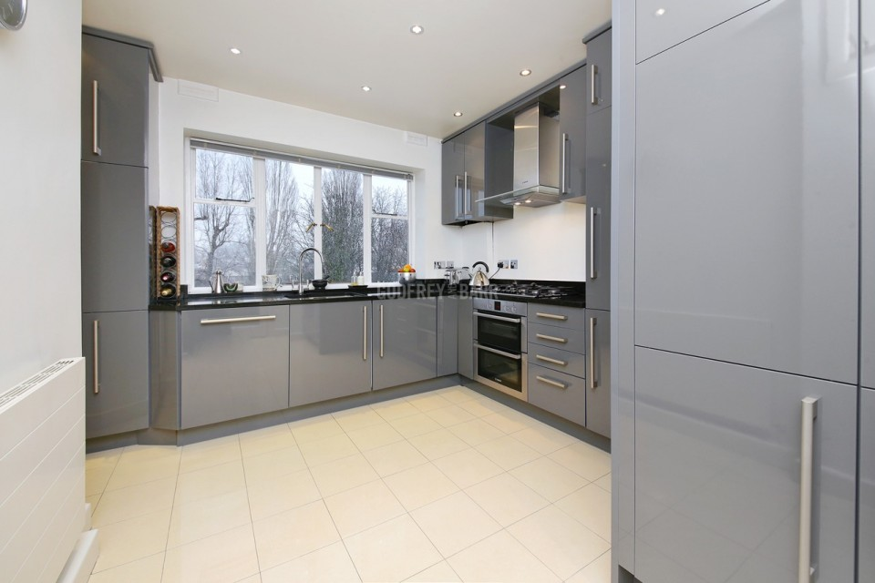Godfrey Barr Estate Agents Full Details For Belvedere Court