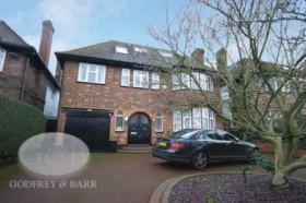Click the photo for more details of Chessington Avenue