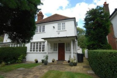 Click the photo for more details of Temple Fortune Lane